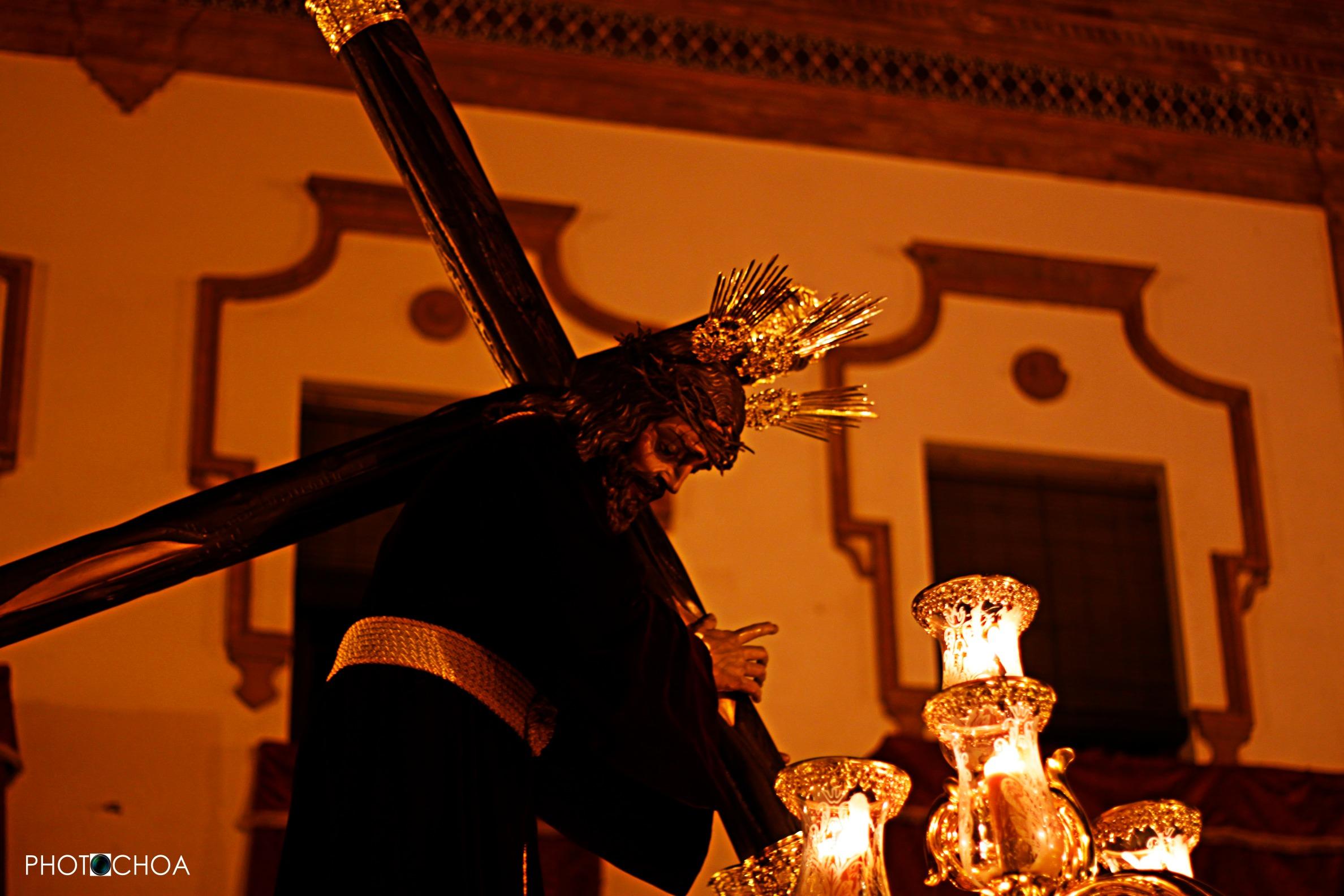 Nuestro Padre Jesús Nazareno avanza hacia la Plaza del Marqués de Aracena